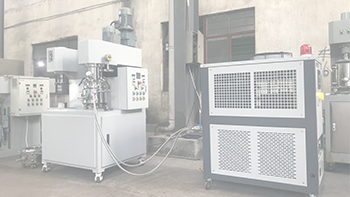 YINYAN graphene mixing equipment --customer's second experiment of using lab scale dual planetary mixer with extruder