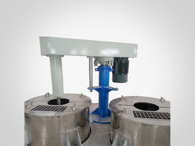 Hydraulic lifting high-speed disperser with multi-tanks